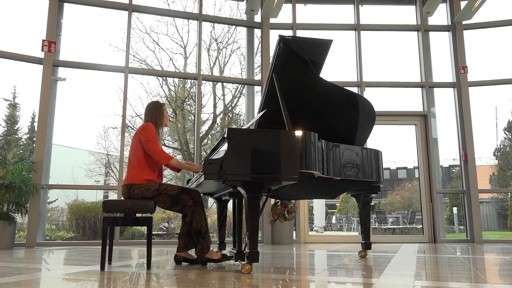 Anna Sutyagina plays Whales by David Bruehwiler